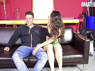 AMATEUR EURO - Spanish Brunette Borehole Presley Takes Newbie's Bushwa On Porn Laid low