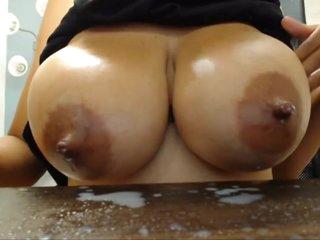 Incredible Curvy Tattooed Latina Lactating On Webcam