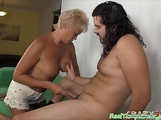 Granny gives stunning deepthroat blowjob