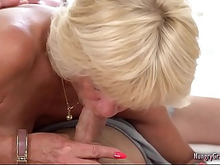Sexy granny enjoys going to bed hard approximately a broad in the beam cock