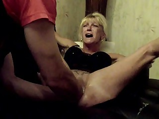Annabelle Dangel reproduce fisting pussy extrem chink distension