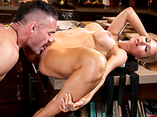 Nicole Aniston & Charles Dera in the air Nicole Aniston Fucks The brush Son's Coach - BangBros