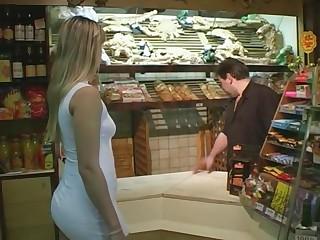 une cliente paye little one pain en se faisant baiser