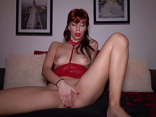 Big Dildo In My Pussy Makes Me Cum - Redhead Vilify