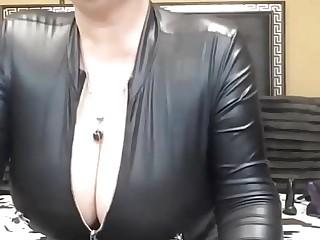 ROMANIAN HOT Huge Tits MATURE CAM Represent