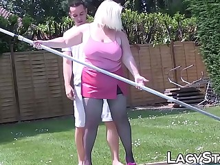 Kinky Lacey Starr seduces poolboy not far from mature zigzags