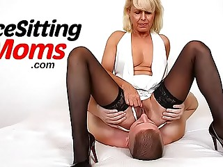 Perverted Czech mom Gabina and their way first facesitting