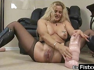 Unclouded Charming Astonishing Fisting Milf Pounded