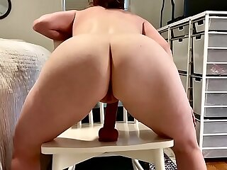 The best amateur arse around loves anal
