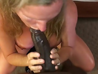Big-busted Milf Sucking Young BBC Infront of Tighten one's belt