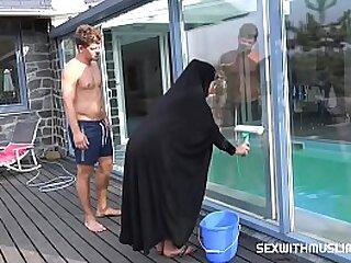 Shagging hot czech muslim streetwalker