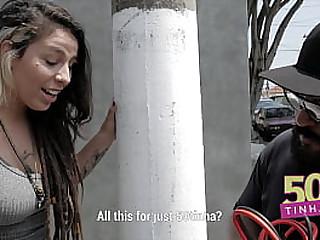 50 tinha - Puta de rua dando o cuzinho por cinquenta reais anal